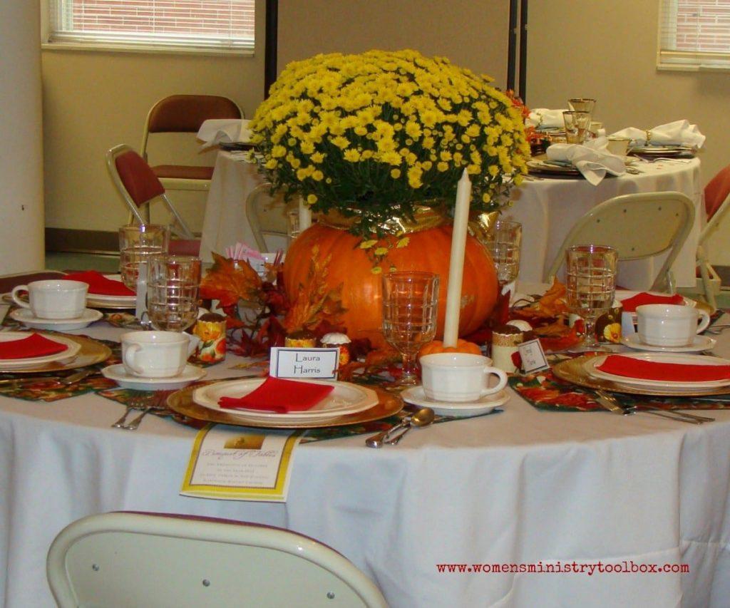 pumpkin mum table